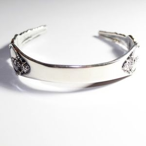 Jewelry - Vtg. cuff bracelet with spoon design